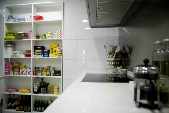 Una estanter a en la cocina picapino for Severino muebles cocina alacena melamina blanca
