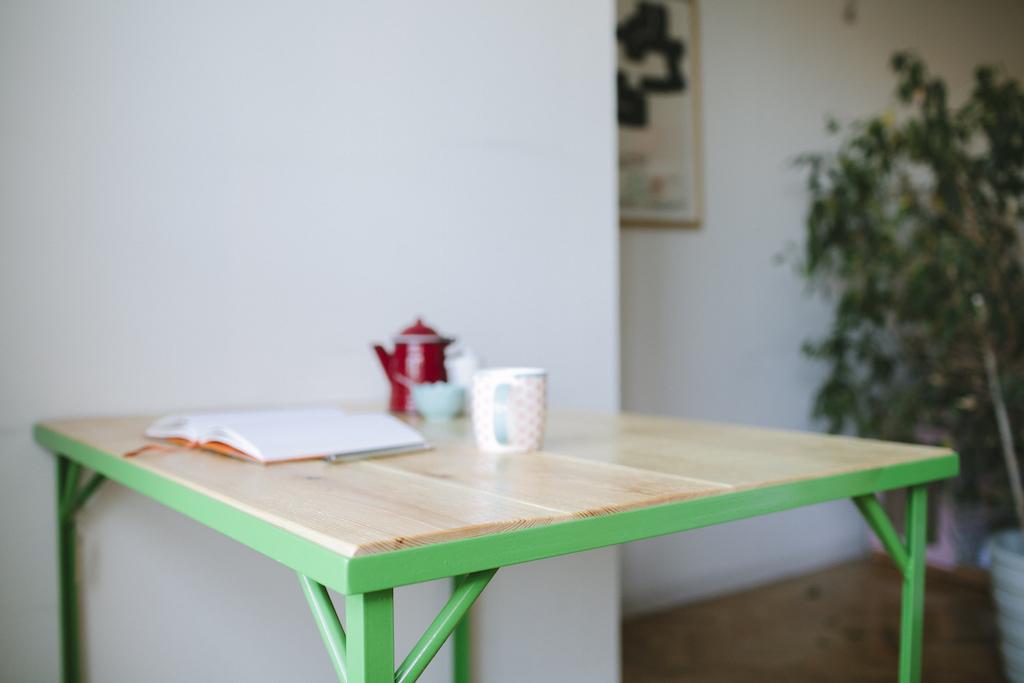 Mesa de patas met licas verdes picapino - Patas metalicas para mesas ...